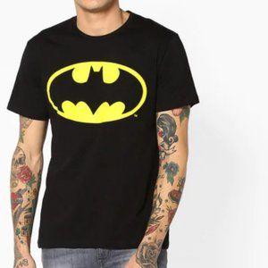 DC Comics Men's Batman Short Sleeve Cotton Tee - L